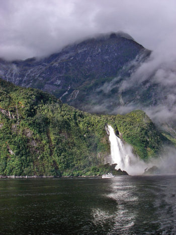 Milford_sound_overnight06